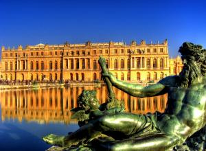 Versailles Castle day tour from Paris
